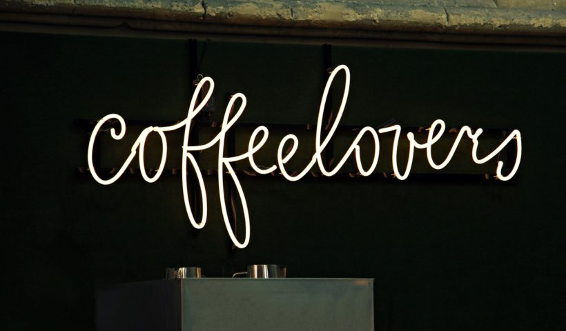 schmale-kaffeemaschine-bild