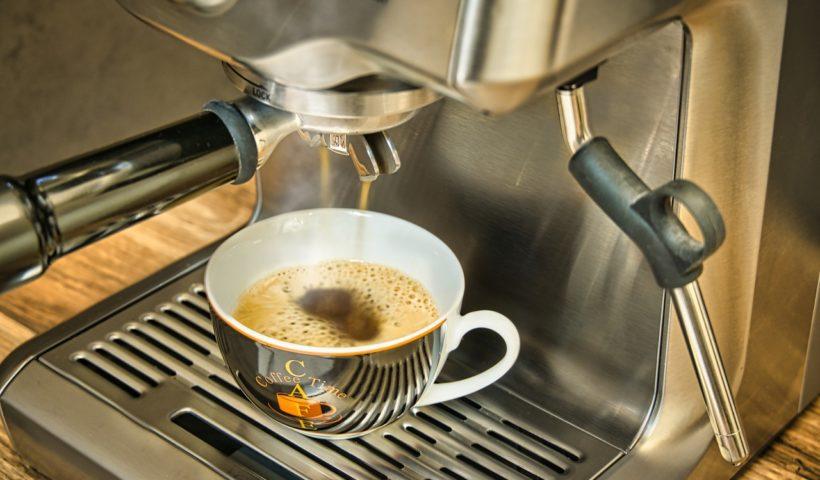 siebtraeger-kaffeemaschine-milchtank